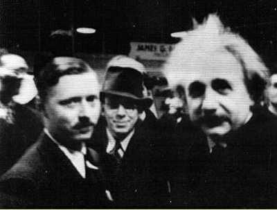 https://buhlplanetarium2.tripod.com/bio/einstein/Einstein-Leo-1934AAAS.jpg